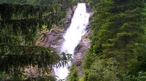 Один из водопадов Кримль