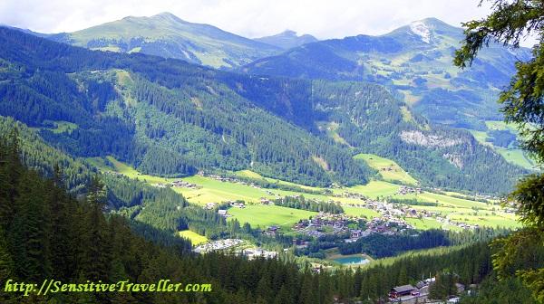 Вид на долину с высоты 1460 метров