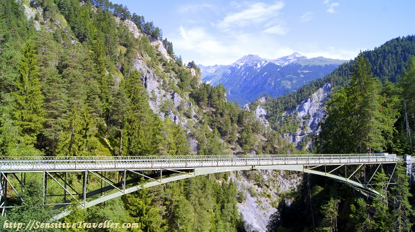 Мост над ущельем