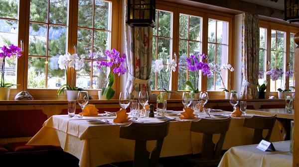 В ресторанчике обычного гестхауза в Швейцарских Альпах.