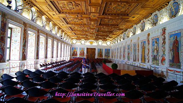 Испанский зал во время моего посещения