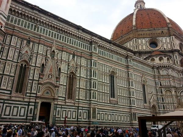 Фрагмент кафедрального собора (Флоренция, Италия). Фото Светланы Алексеевой.