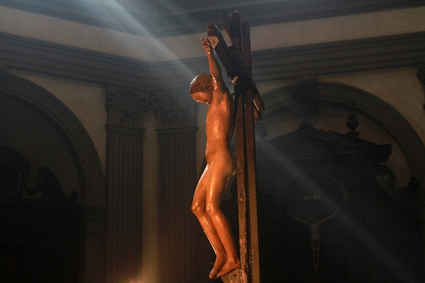 Деревянное распятие работы Микеланджело