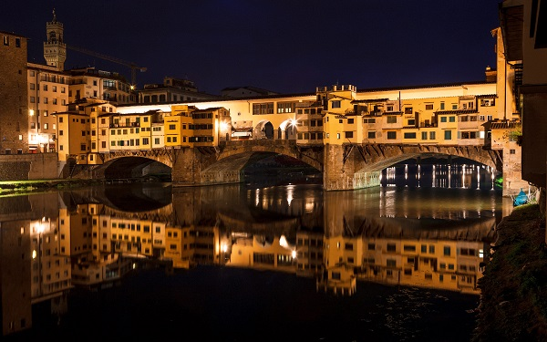 Мост Ponte Vecchio ночью (Флоренция, Италия)