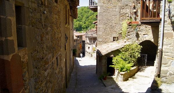 Улочка старого города (Рупит, Испания)
